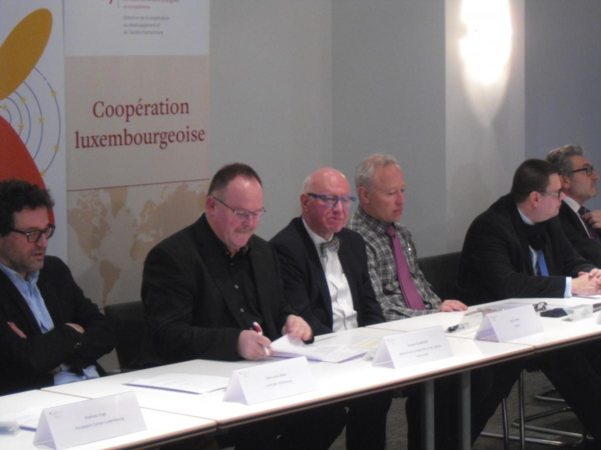 Signature de l'accord-cadre de sensibilisation